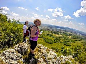 Mobil alkalmazás, weboldal, térkép, táblák a Kesztölcre érkező turistáknak