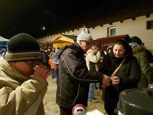 170 adventi bögre talált gazdára, a forralt borral és a kakaóval együtt a bevétel a Kesztölc SE asztalitenisz szakosztályát segíti
